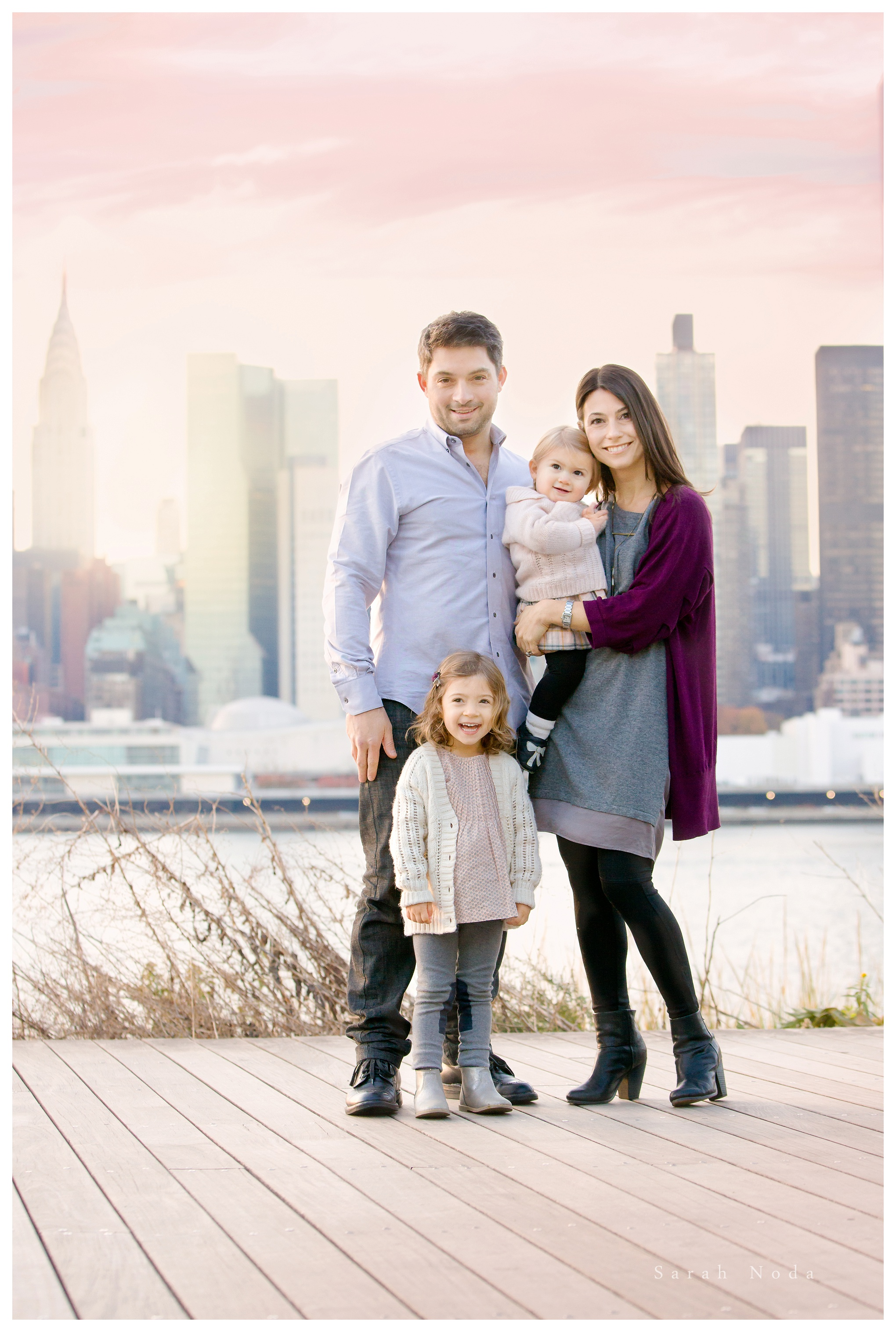 Pastel sunset over manhattan long island city family photographer
